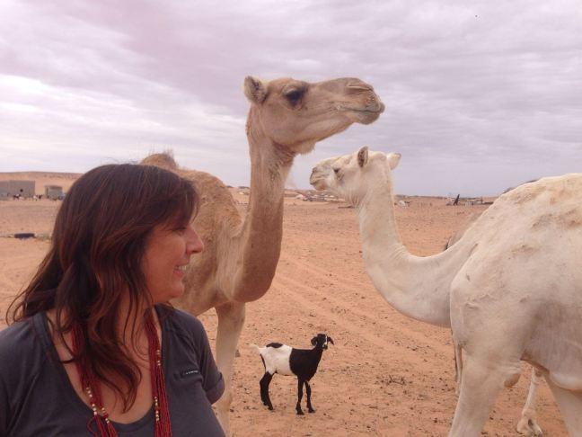 ana-con-baifo-y-camellos